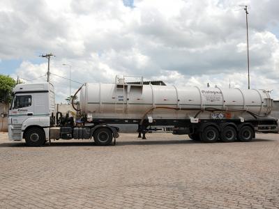 frota-e-equipamentos_carreta-tanque